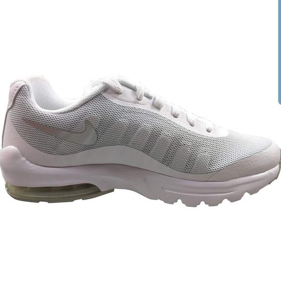 Nike Air MAX Invigor White Metallic Silver Pure